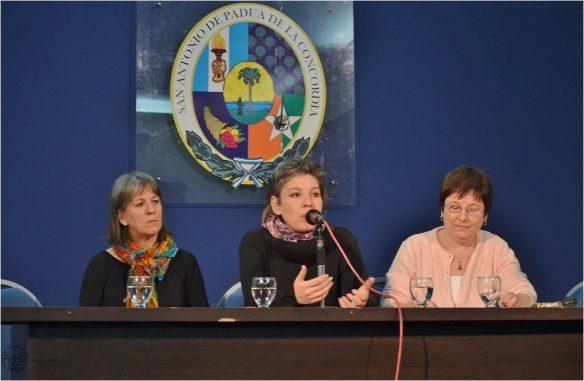 De izquierda a derecha: Marisa Beguiristain, Bernardita Zalisñak y Viviana Keegan